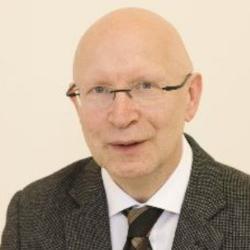 Professor Hartmut Schröder
